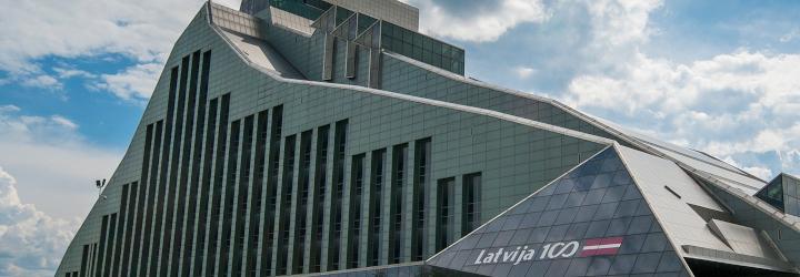 (Latviešu) Intervija ar Latvijas valsts simtgades biroja vadītāju Lindu Pavļutu