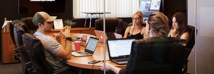 Latvijā iezīmējas darbinieku piesaistības rādītāja kāpums